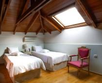 1000_2nd_bedroom_2